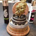 Cannabis Grinder Materialien & Arten: Komplette Anleitung